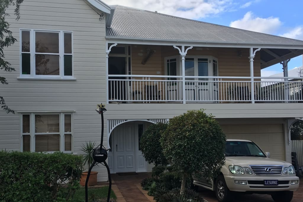 Traditional 2 Story Queenslander. Main Entry