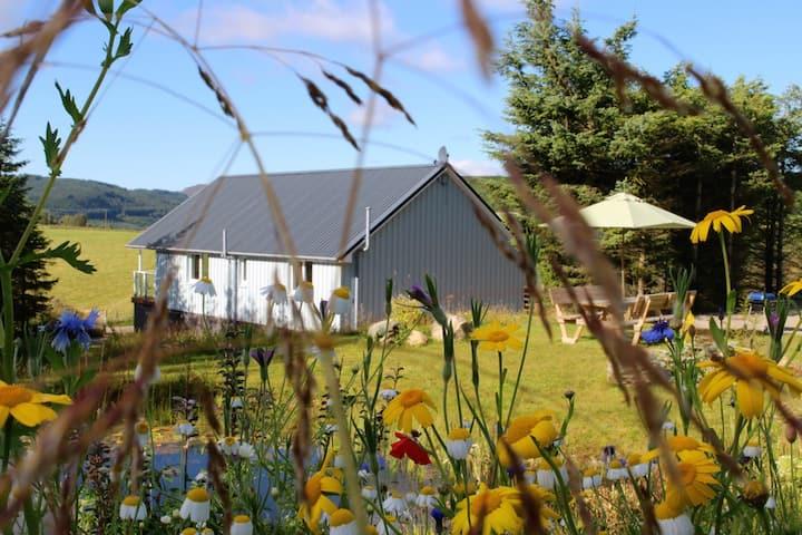 Torran View Lodge - panoramic hillside property