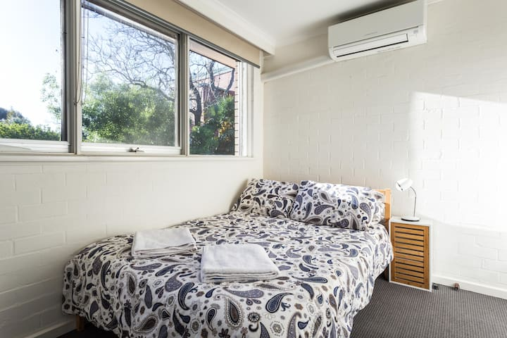 Delightful Clifton Hill Townhouse! - Clifton Hill - Townhouse