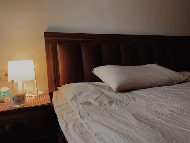 【天空之城】温馨干净顶楼可看夜景三间卧室可做饭举行派对简约舒适朋友聚餐家人出游