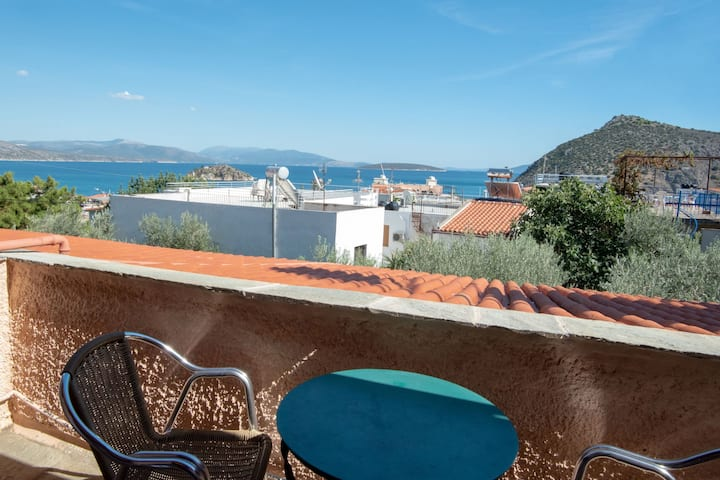 Charming Sea View Maisonette