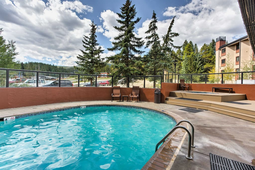 Take advantage of the community amenities, including this heated swimming pool!