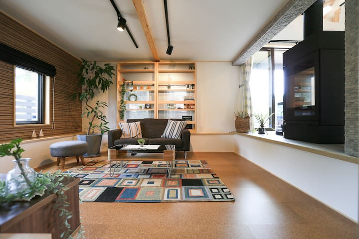 Beautiful 2 Story Resort Home w/Fireplace! [CAMP]