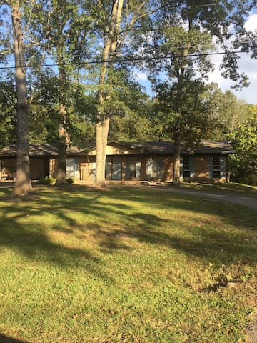 Cottage Full Size Home & Extended Stay
