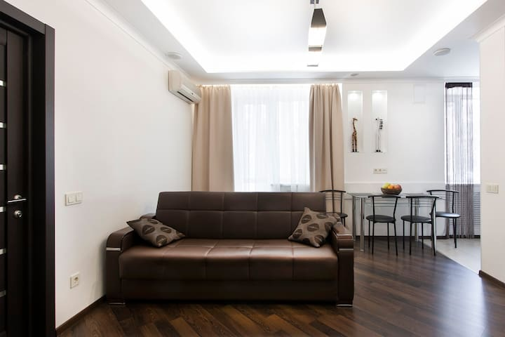 2 room studio in green quiet Kiev center - Kiev - Appartamento