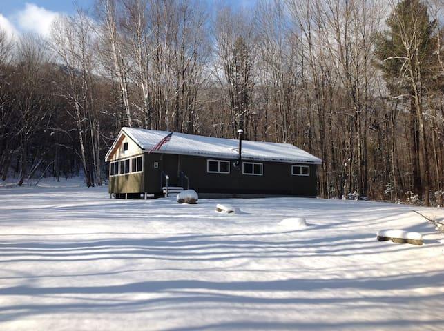Off-Grid cabin near the Appalachian Trail