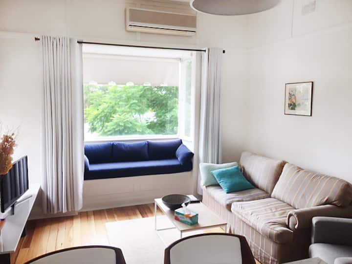 Large private apartment with wonderful bush views