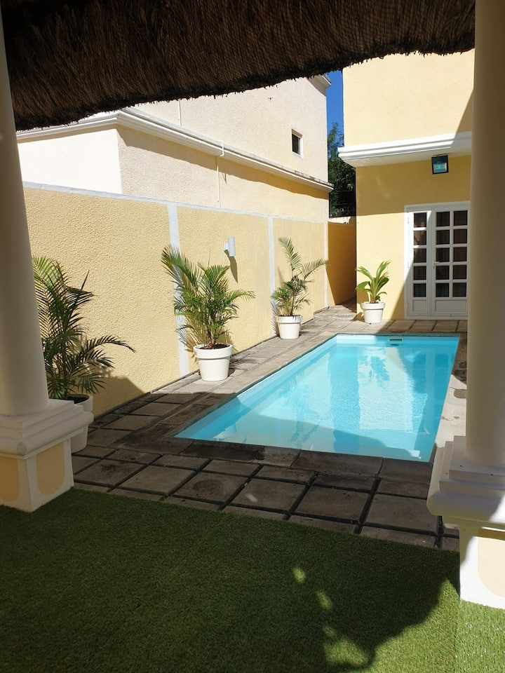 Villa avec piscine dans une résidence privée