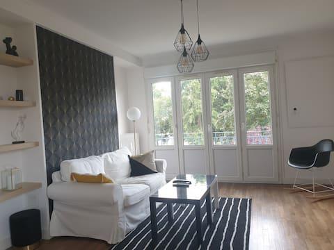 Charming apartment near hospital and university