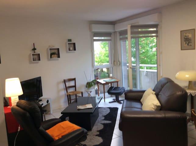 Appartement calme situé à la limite de Rouen