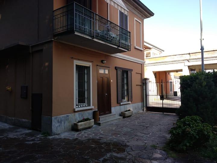 Abitazione in villa (con posto auto)