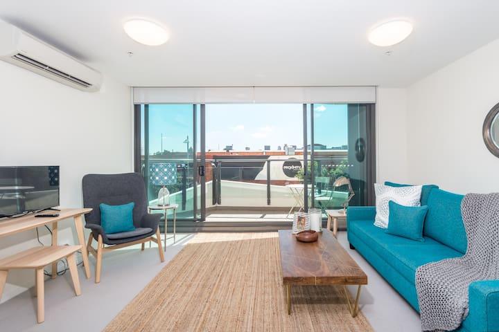 Gorgeous Brand New Apartment in Hamilton ☆Parking☆