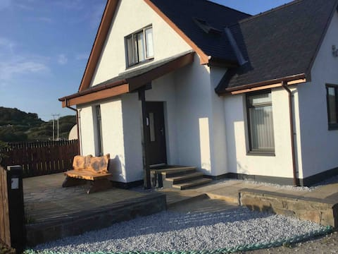 Caorunn Apt self cater-sleeps 4, ensuite bedrooms