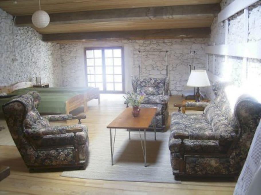 Beedroom/Livring room 1. floor