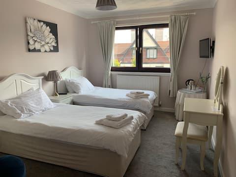Lomond Villa Twin or Single Room