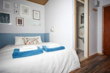"""""""This is a gorgeous little unit in an unbeatable location in Bled. Natalija was really great with communication and made sure our stay was perfect. It was really convenient to be so close to the main bus stop and delicious restaurants! Will definitely be back!"""" by guest Sundus"""