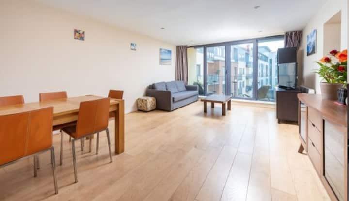 Duplex flat, well located