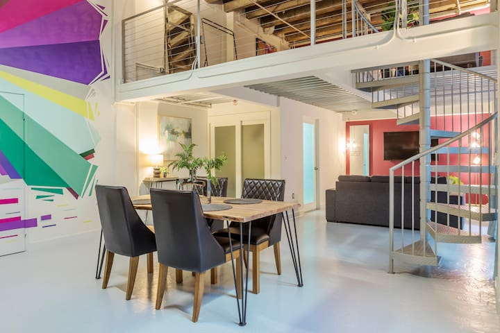 Mind Blowing Artist Loft with Mezz and Patio!!!