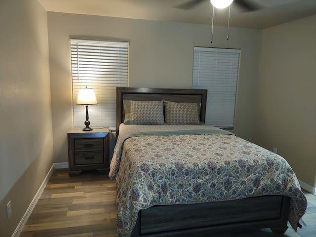 Queen bed, Premium mattress! Smart Roku TV loaded with Netflix, Disney Plus, Hulu and ESPN!