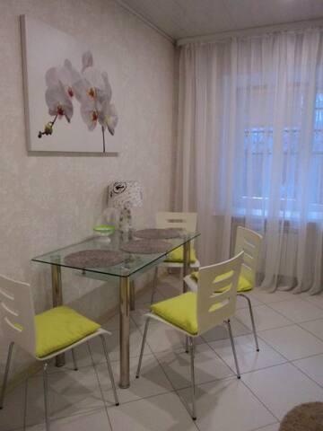 Уютная квартира на сутки в Жодино