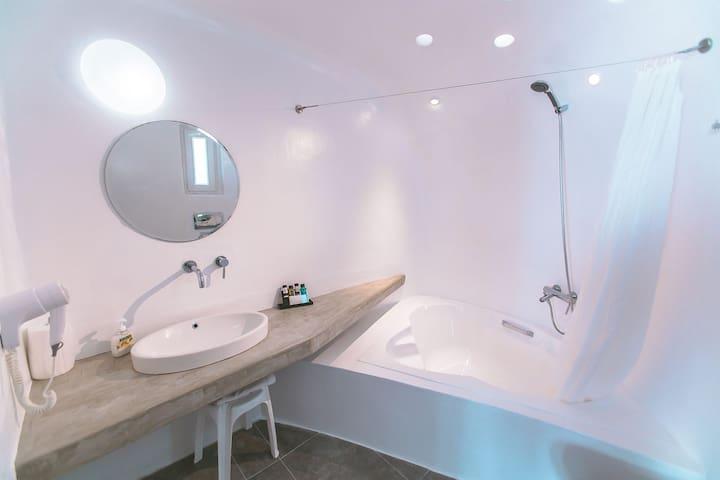 Executive Studio 2-Sea View & Pool