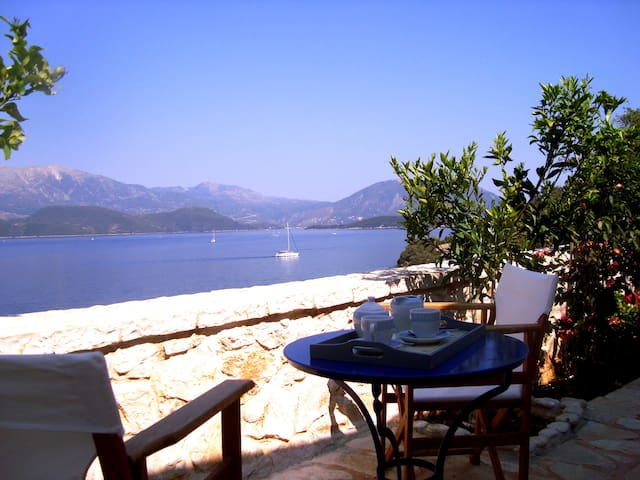 Luxury apartments in a private estate on the waves - Lefkada - Appartement