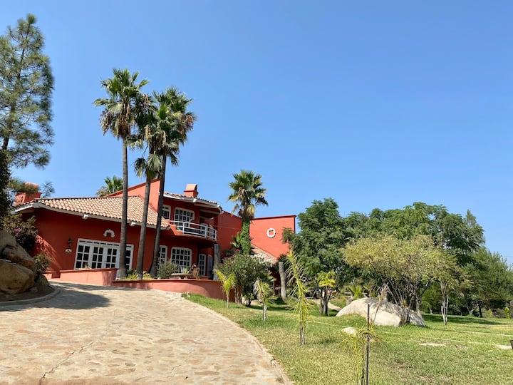 Hermosa Casa con alberca en Rancho Tecate
