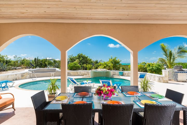 Turks & Caicos Inviting Vacation Home
