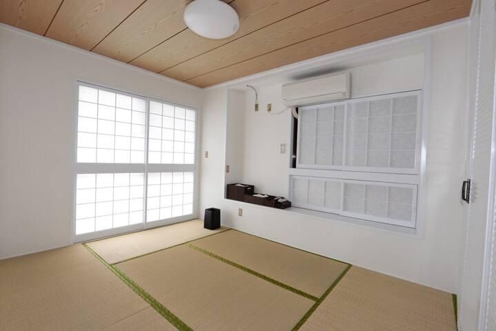 新都心エリアもすぐ!日本のおもてなしの心で旅の疲れを癒しますCroom - Urasoe-shi - Huis