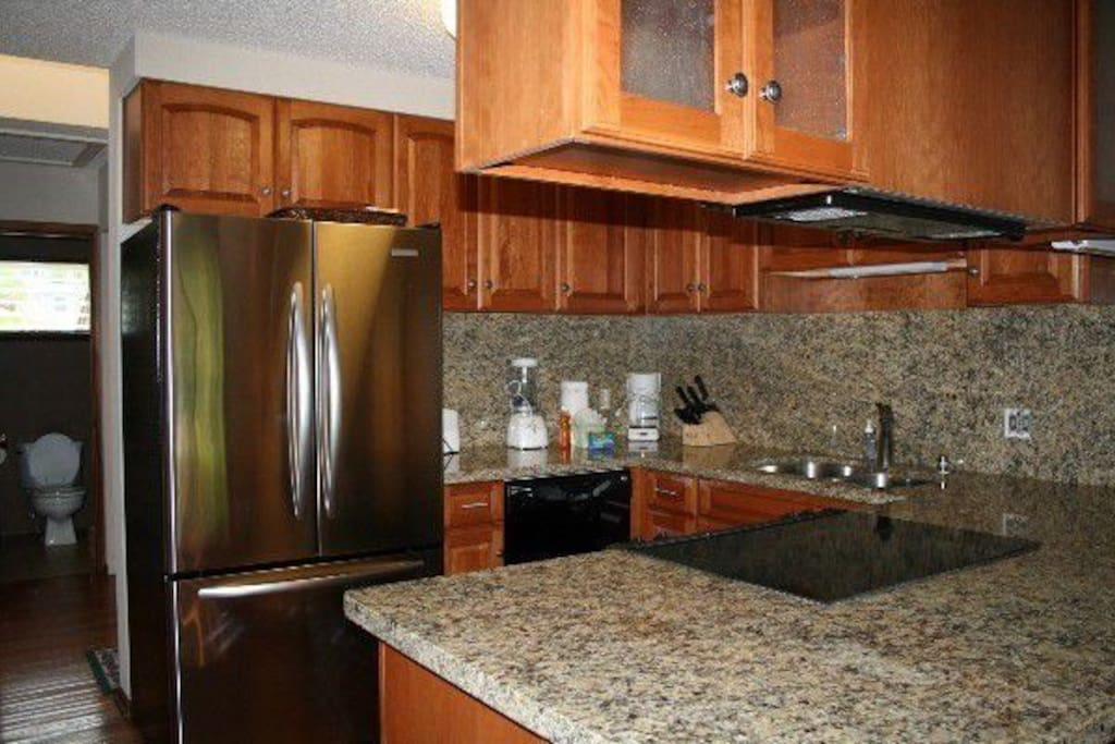 Fully equipped renovated Kitchen