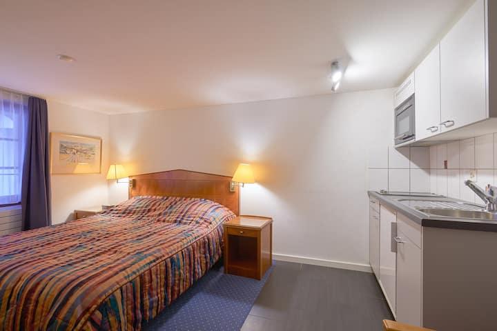 3.1 Benjamin - Hine Adon Aparthotel