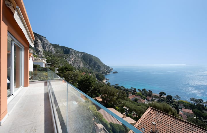 Villa Ourmége / Beautiful family house with breathtaking sea view