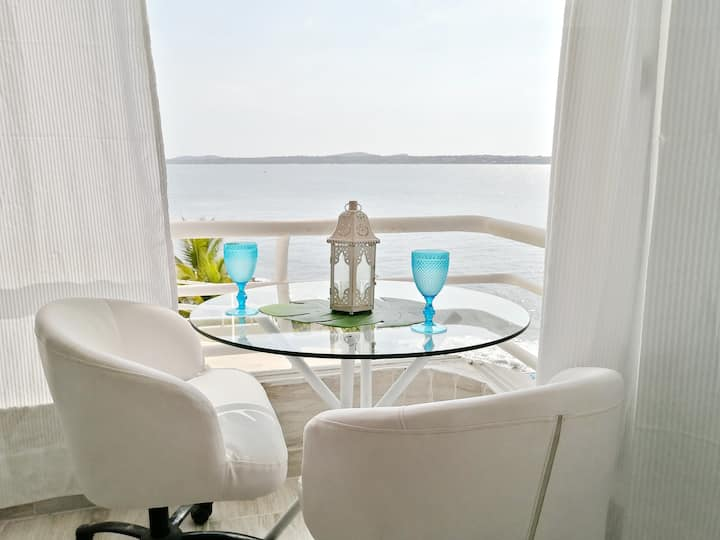 Cartagena Luxury Apartment on the Beach in Laguito Playamar