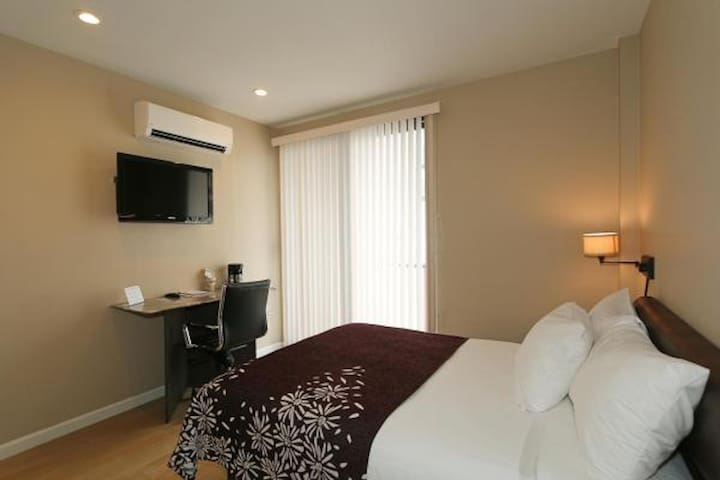 ★Premier Queen Room with Balcony ★