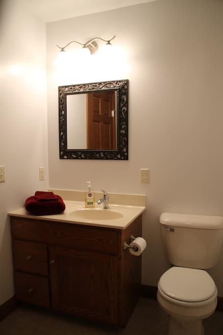 Example photo, Suite B has a similar full bathroom