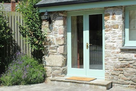 Quiet Four Star Gold Cottage for 2 + child & dog - Lostwithiel  - Casa