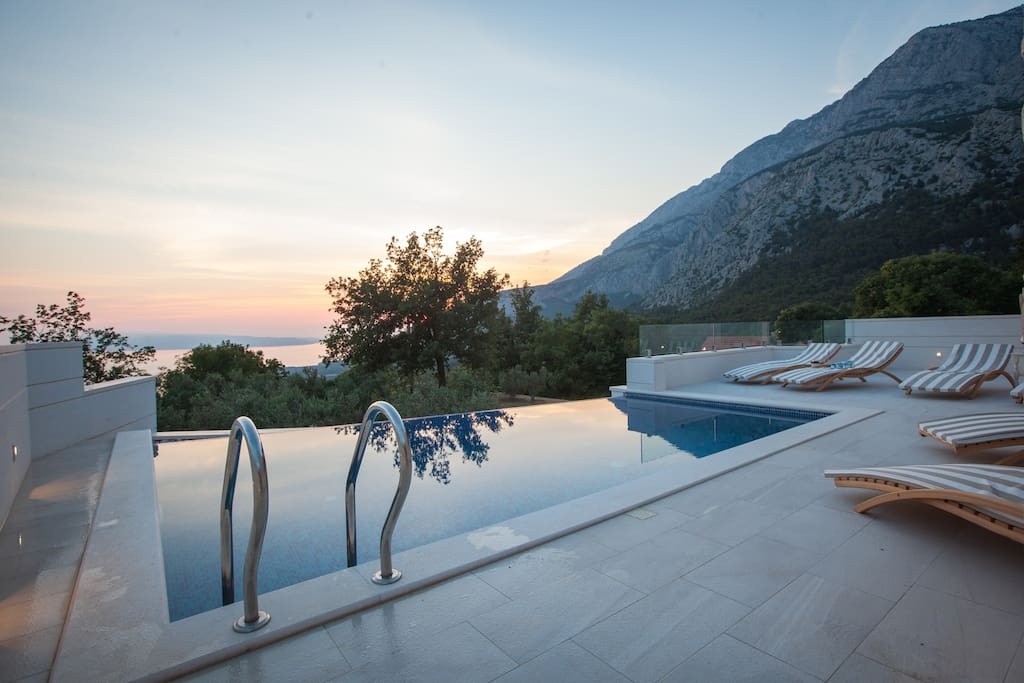 Three bedroom holiday home with pool Makarska Riviera Croatia