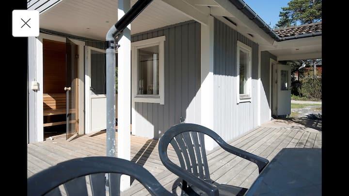 Egen villa med bastu & terrass i skärgårdsmiljö