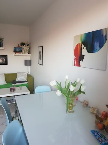 Sunny Private Room in Shared Apartment - Berlijn - Appartement