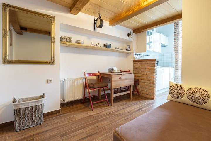 ★Brick Central Studio★Cosy★TOP location★