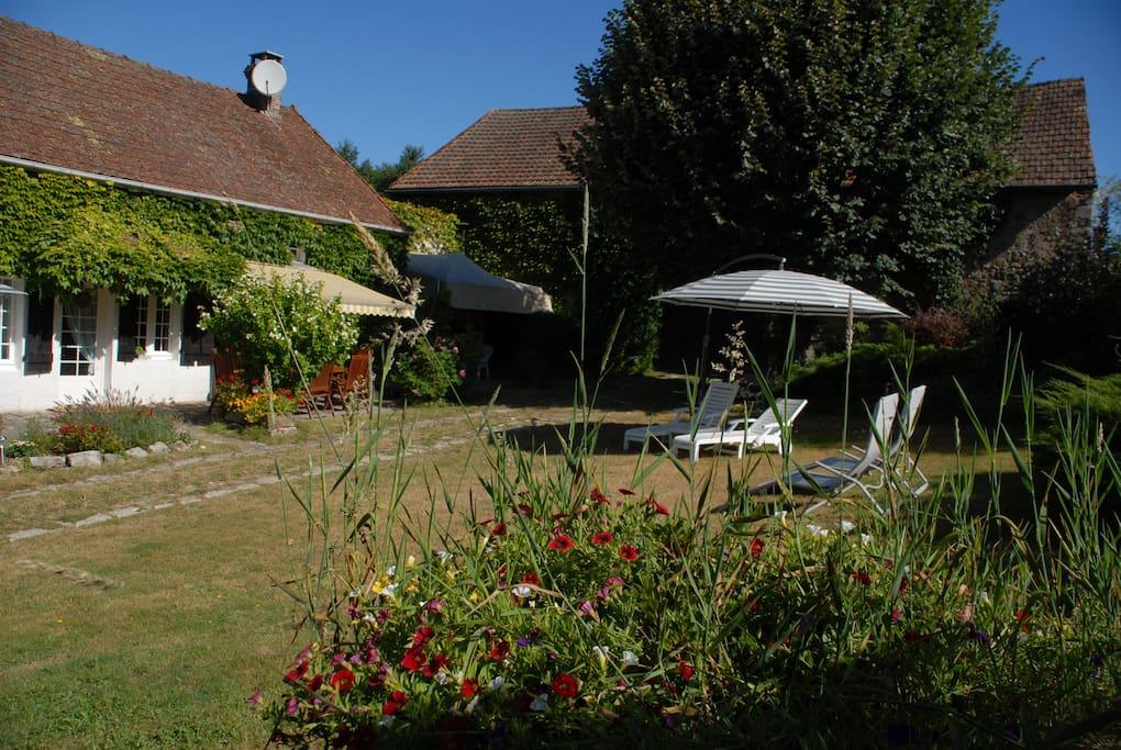 Spacious garden to relax, enjoy BBQs and the sun