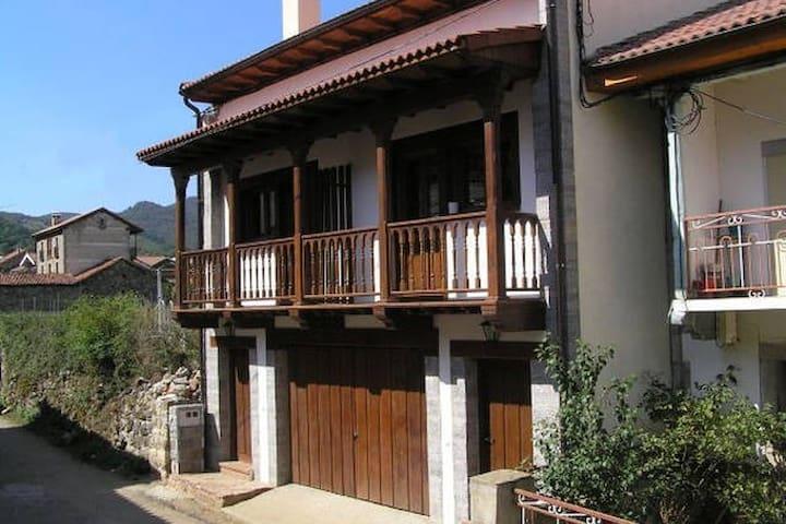 Casa Bermeja Nº2.Ruta del Cares.Picos de Europa - Soto de Valdeón - Talo