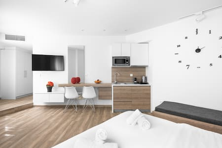 Hermes Suites, Nilie Hospitality MGMT