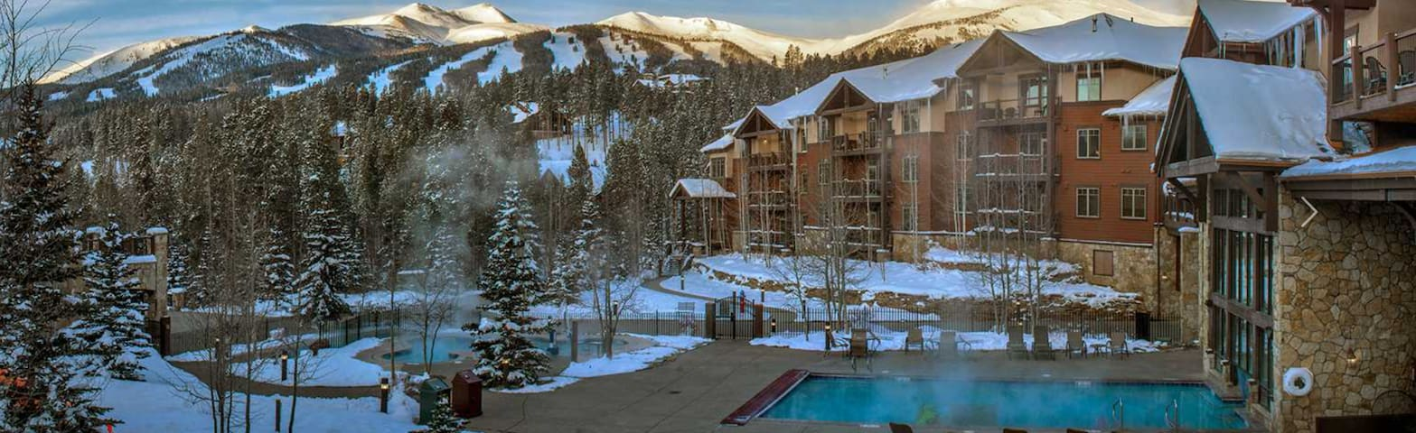 Grand Timber Lodge ski in/ski out Mountain Resort
