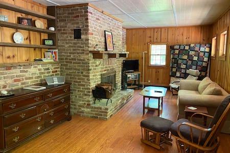 Proctor's Hall Cabin