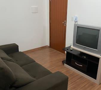 Excelente Apartamento 2 quarto c/wifi 10min Centro