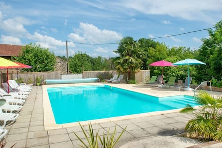 Serene Holiday Home in Lacapelle-Biron with Terrace