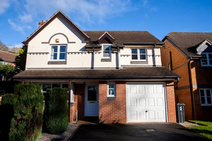Modern 3 bedroom house in Exmouth - Exmouth - House