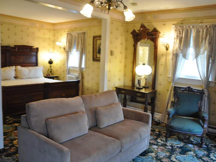 Suite 209 at the Normandy Inn