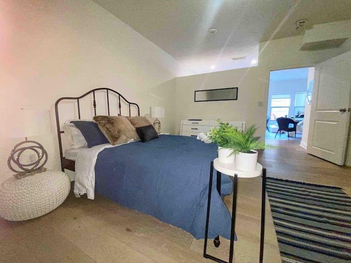 Stylish Studio 1 Bed Downtown Orlando Free Parking